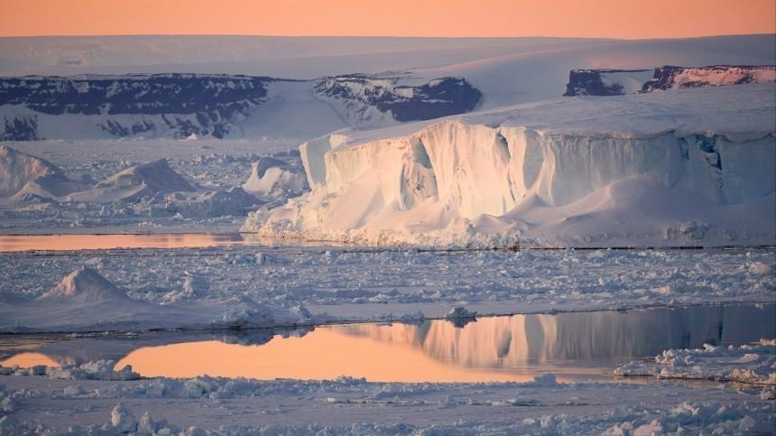 Катастрофическое таяние льда замечено вАнтарктиде из-за аномальной температуры