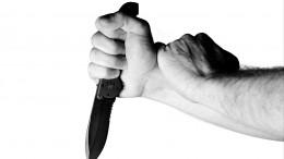 Житель Липецка исполосовал ножом жену идетей. Четырехлетняя девочка погибла