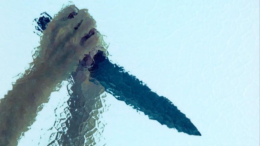 ВНовгородской области женщина вонзила нож вспину бывшему возлюбленному
