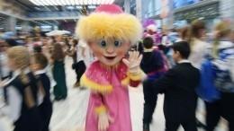 Аниматоры вкостюмах ростовых кукол устроили побоище вКаспийске