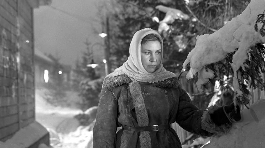 """Инна Макарова в роли Нади в фильме """"Девчата"""", 1962 год"""