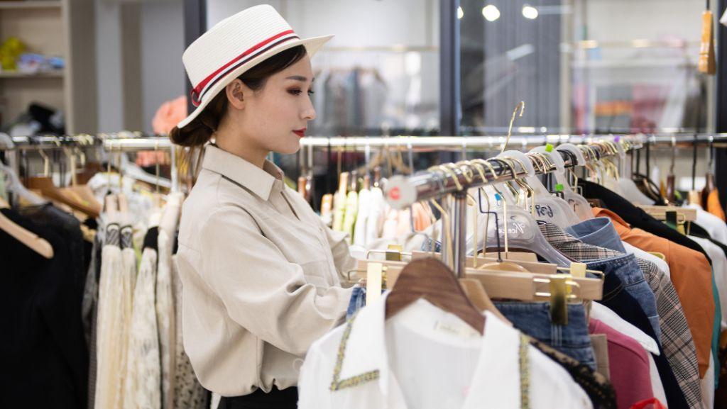 Регулярная чистка гардероба позволит вам выделить базовые вещи и найти свой стиль.