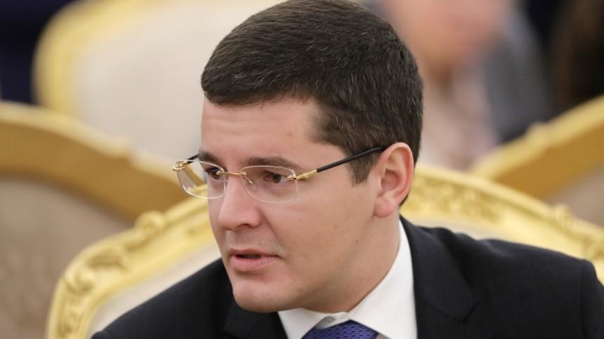 Глава Ямала Дмитрий Артюхов сыграл нарояле вчесть 8марта