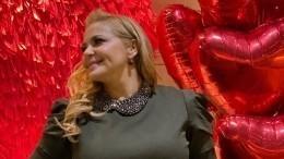 «Кудряшка Сью»: Ирина Пегова сделала новую прическу для роли