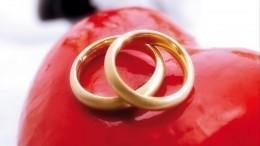 Возлюбленная Запашного рассказала, почему оннаней неженится