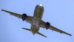 Самолет SSJ 100, вылетевший изМосквы вРостов-на-Дону, готовится кэкстренной посадке