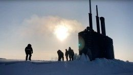 ВАрктике пробила лед ивсплыла атомная подлодкаСША. Видео
