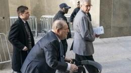 Харви Вайнштена госпитализировали после вынесения приговора