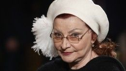 «Так держать!»— 66-летняя Елена Степаненко вышла всвет врваных джинсах икосухе