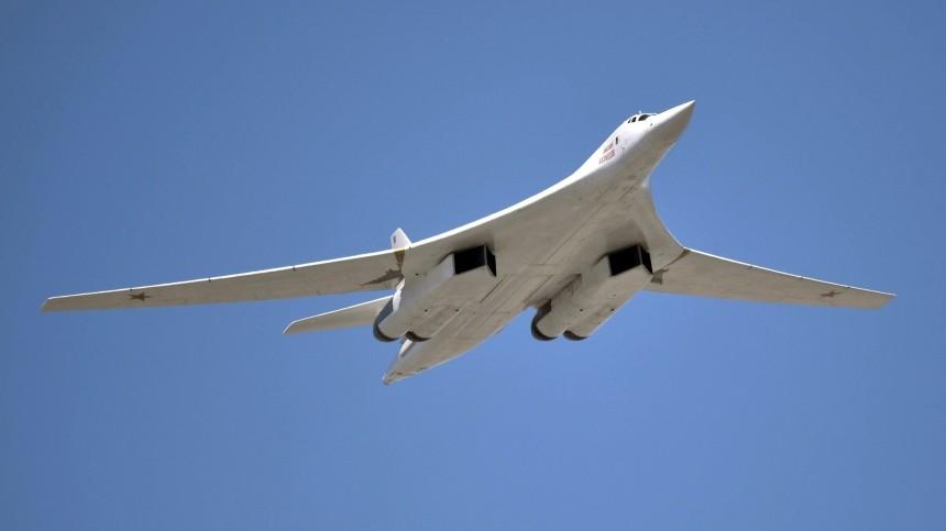 Видео: Полет Ту-160 над акваториями Атлантики, Баренцева иНорвежского морей