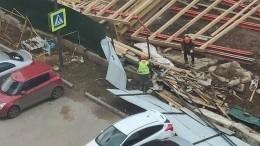 Шторм вМоскве иПодмосковье: мужчина погиб после падения дерева наавто