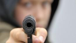 Вооруженные школьники попытались ограбить магазин вЧелябинске— видео