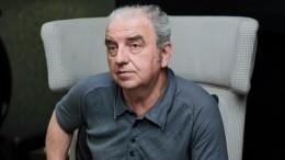 «Оннепонимал, что происходит»: лидер группы «Чайф» опоследних годах жизни родителей