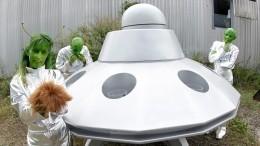 Неможет быть! Жителей Шотландии удивил неопознанный летающий объект внебе— видео