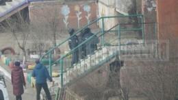 Фото жилого дома вЧите, вкоторый случайно выстрелили извертолета