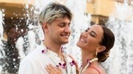 «Забери сердце— оно твое»: Манукян признался влюбви кБузовой вновом треке