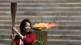 Церемония передачи олимпийского огня Токио прошла без зрителей ижурналистов вГреции