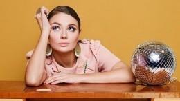 Звезда сериала «Мажор» Разумовская вышла напрогулку ссемимесячным сыном— фото