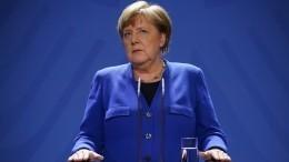 Меркель отправится под домашний карантин из-за контакта сврачом сCOVID-19