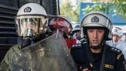 Турецкие военные атаковали греческих полицейских