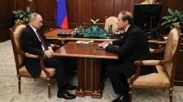 Мантуров анонсировал увеличение производства медицинских масок до5млн всутки