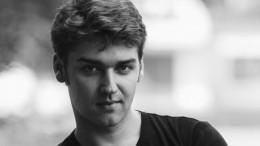 «Том Круз лично утвердил его»: Учитель Сергея Смирнова рассказал оработе сним