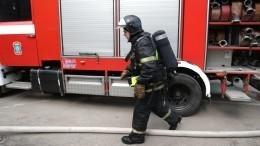 Видео: Семь человек погибли встрашном пожаре вбараке вЕкатеринбурге
