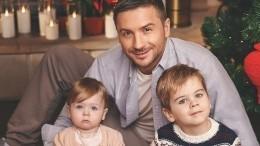 «Такие большие»: Лазарев показал, как сын Никита учит разговаривать сестру