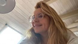«Личный пример»: Ирина Пегова взащитной маске восхитила подписчиков