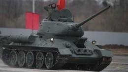 Танки Т-34 привезли изПетербурга вАлабино