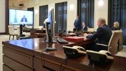 Песков рассказал, как работает Путин вусловиях пандемии коронавируса