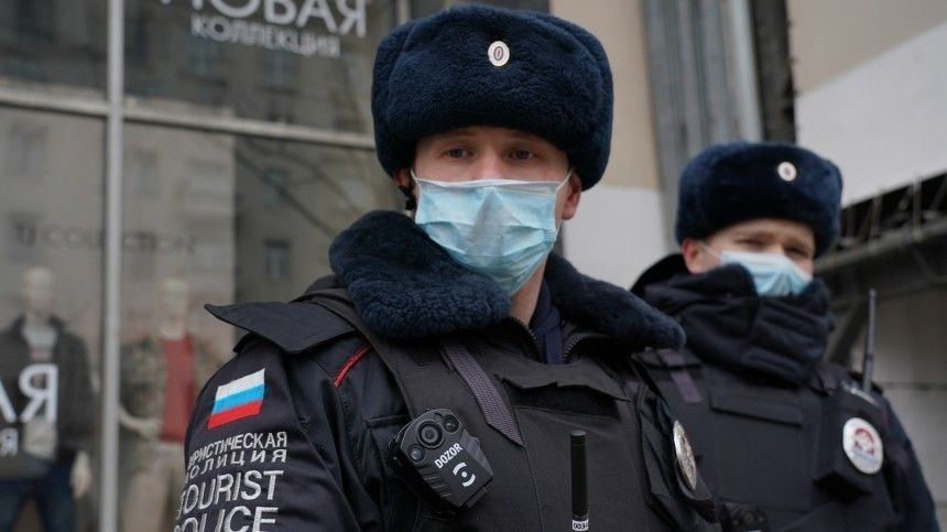 ВПетербурге непланируют вводить жесткий режим самоизоляции
