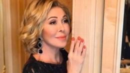 «Кривовато, зато сдушой»: Успенская накарантине переквалифицировалась впарикмахера