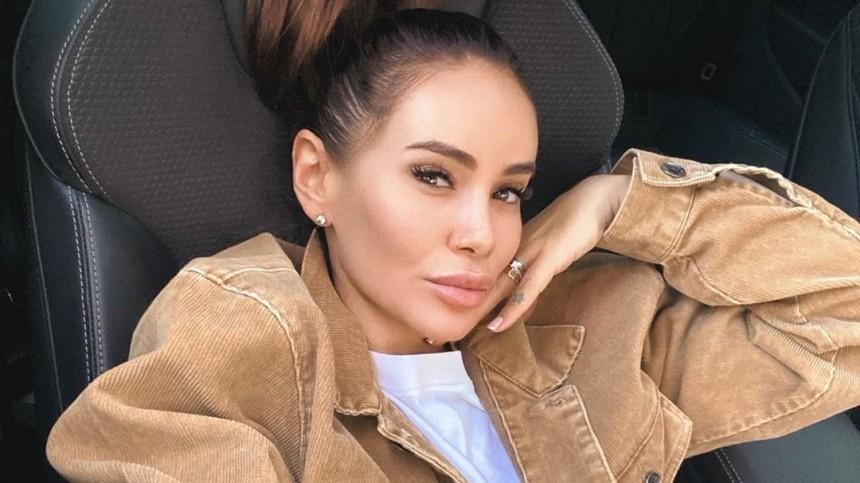 После разрыва смужем Айза Анохина продает квартиру вМоскве за58 миллионов рублей