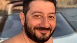 Галустян запустил челлендж «Меняйся дома», сбрив бороду иусы накарантине