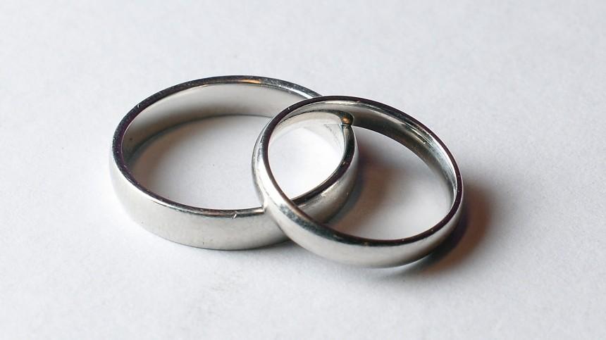 Неравный брак: ТОП-5 звездных пар сразницей ввозрасте более 15 лет