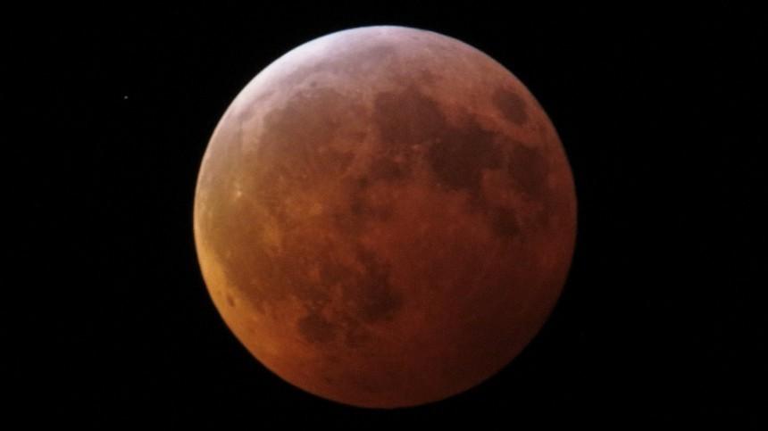 «Могут быть проблемы»: астролог рассказала, чем опасно «розовое» Суперлуние 2020