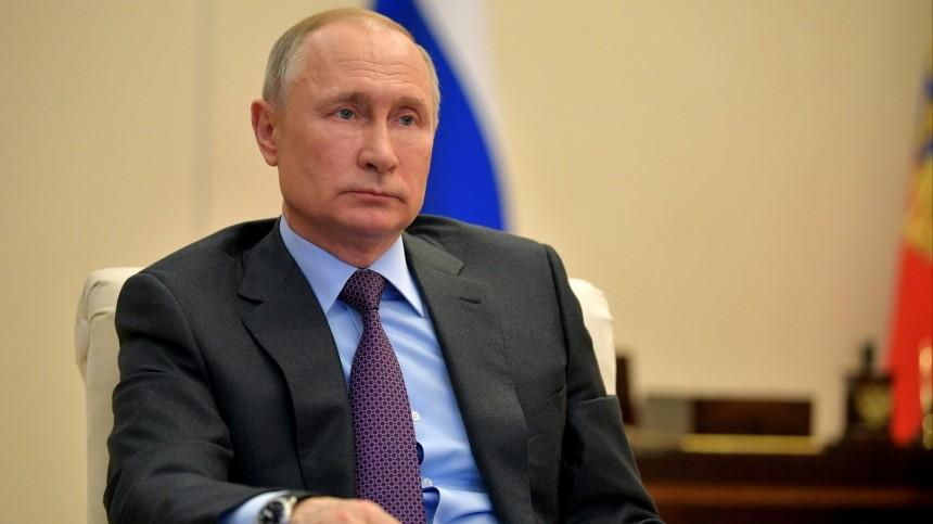 Путин оситуации скоронавирусом: «Вся страна— вирусологи»