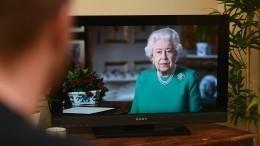 Елизавета II, появившаяся нателевидении, стала героиней новых мемов