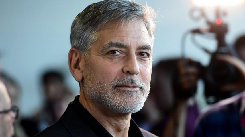 Джордж Клуни пожертвовал миллион долларов наборьбу скоронавирусом