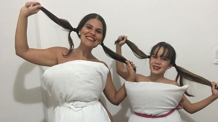 Девушки вплатьях изподушек заполонили Instagram: новый челлендж навремя самоизоляции