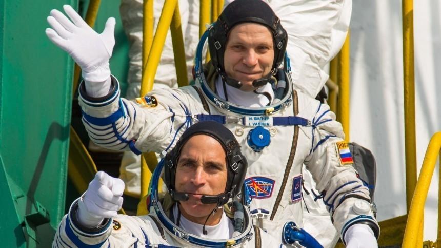 Экипаж МКС отметит День космонавтики ударным трудом