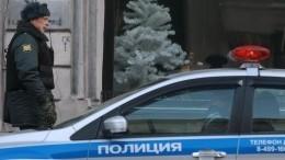 Мужчина, устроивший стрельбу через двери квартиры вМоскве, сдался полиции