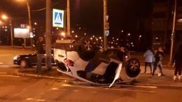 Момент ДТП скаршеринговым авто вПетербурге попал навидео