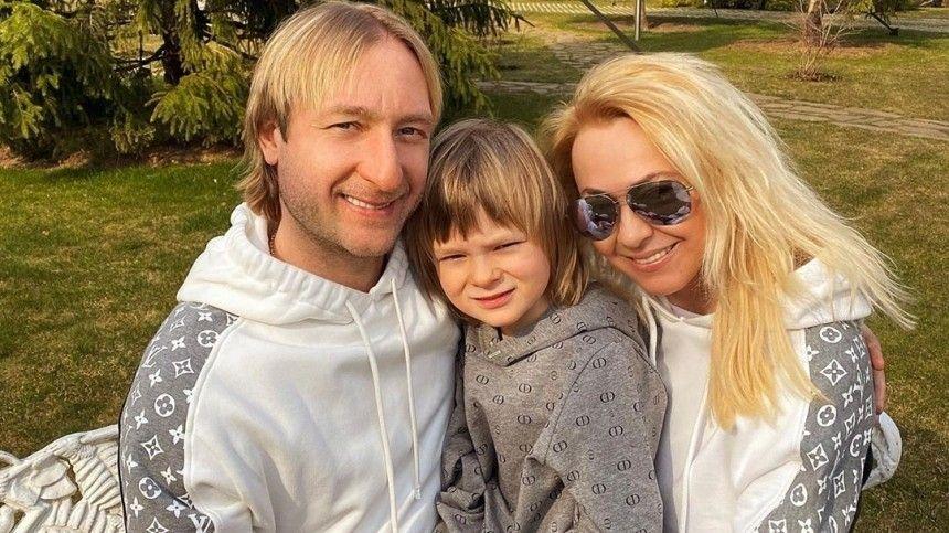«Семейка агентов 007»: Рудковская иПлющенко вместе ссыном станцевали под Little Big
