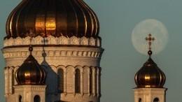 «Мыдостойно пройдем через испытания»: Путин поздравил россиян сПасхой