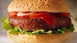 Ученые назвали самую опасную для мозга еду