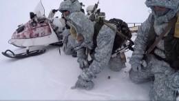 Видео: десантники ВДВ первыми вмире прыгнули сдесятикилометровой высоты вАрктике