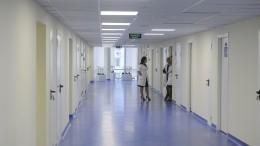 Двух липецких врачей уволили захалатность, повлекшую распространение коронавируса