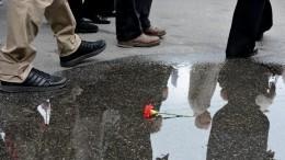 ВКоми спешно сняли баннер вчесть Дня Победы сфинским солдатом